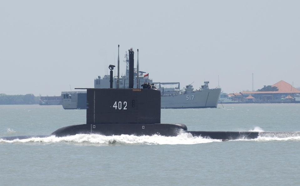 Indonesia encuentra submarino desaparecido; sus 53 tripulantes murieron