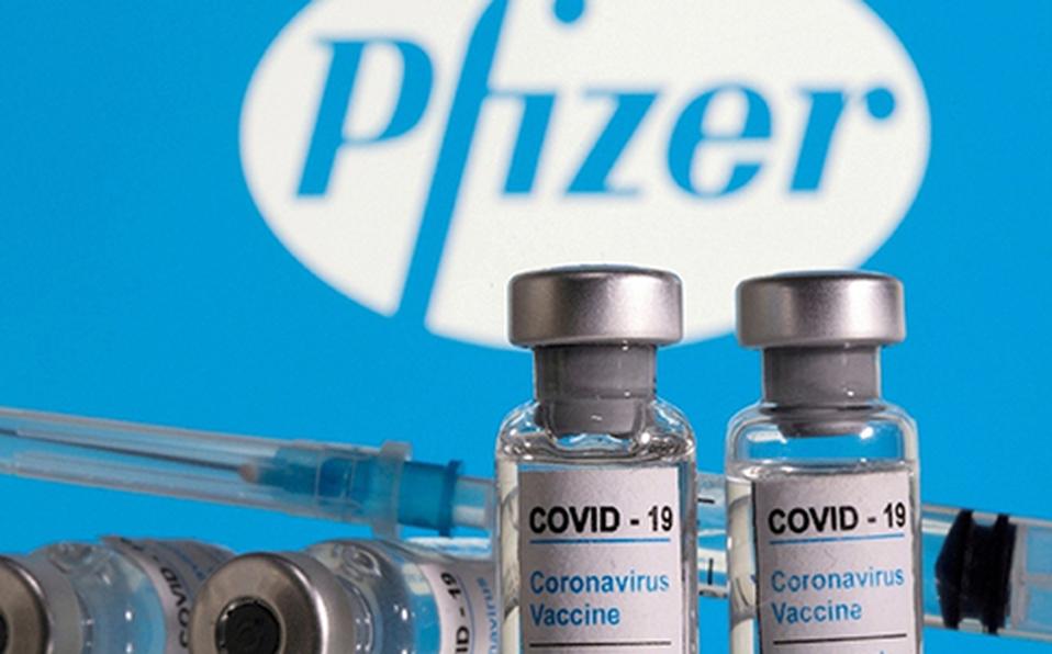 Personas que recibieron vacuna anticovid de Pfizer podrían requerir tercera dosis: estudio