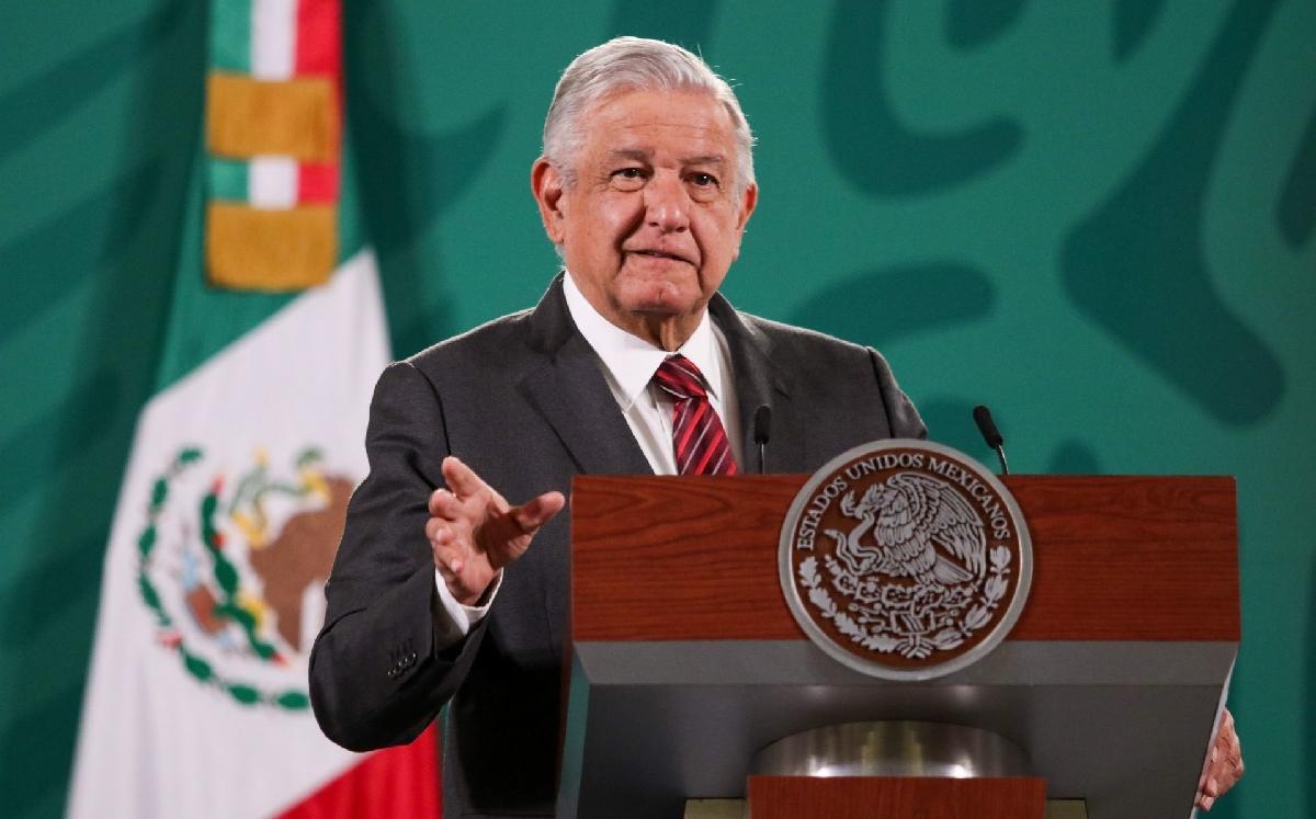 """AMLO llama a renovar el sistema electoral; """"el INE es un fracaso"""", dice"""